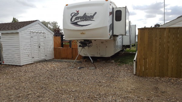 2010 Forest River Cardinal 3450RL + Lot