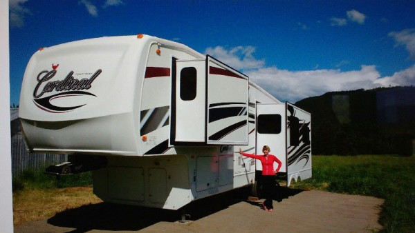 2010 Forest River Cardinal 3050RL